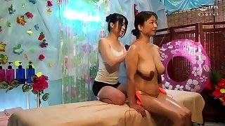 Lesbian fingering during the brush massage of a hot model HD