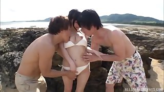 Outdoors MMF trilogy with seductive Asian babe Kitano Nozomi