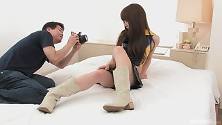 Japanese incise Ray Sawamoto gets creampied by a photographer